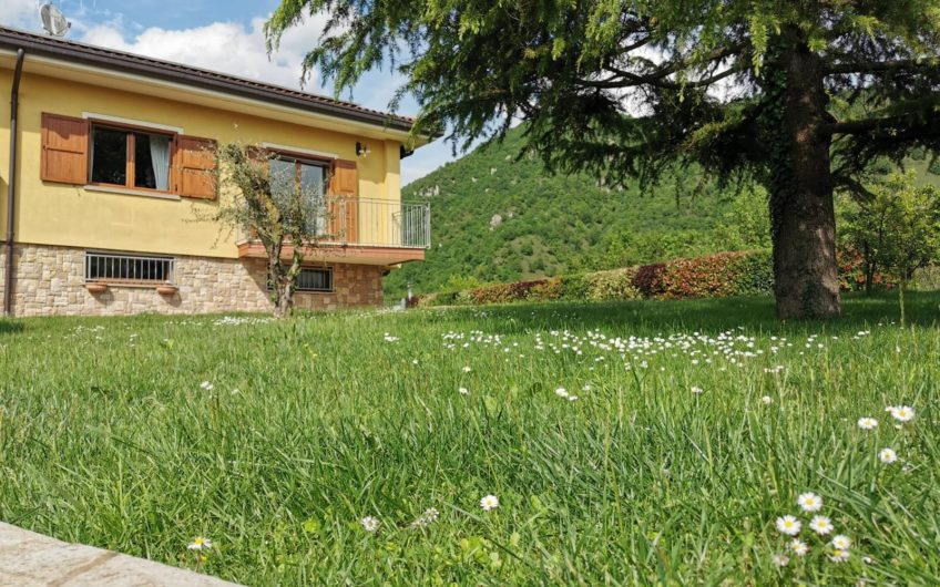 Prestigiosa Villa Singola