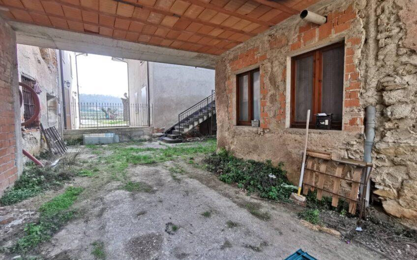 Appartamento  con rustico adiacente